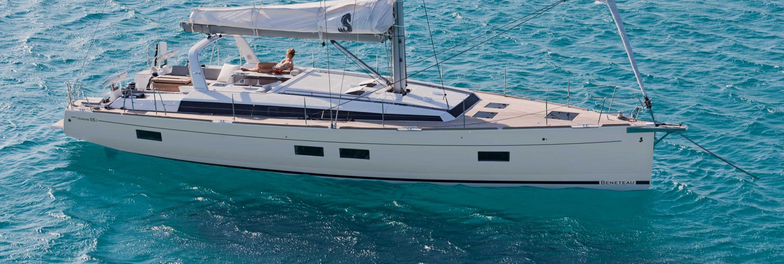 Beneteau Oceanis 55.1 at anchor
