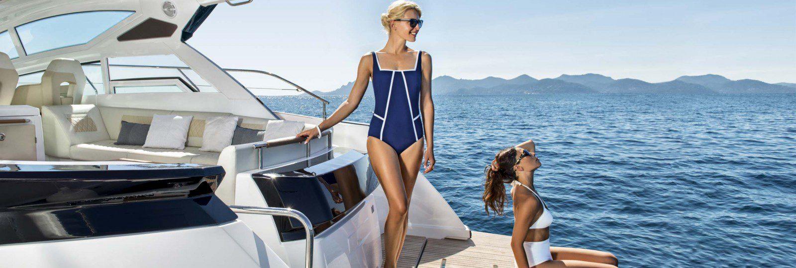 Beneteau Gran Turismo 40 bathing platform