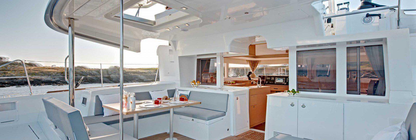 Lagoon 450f cockpit