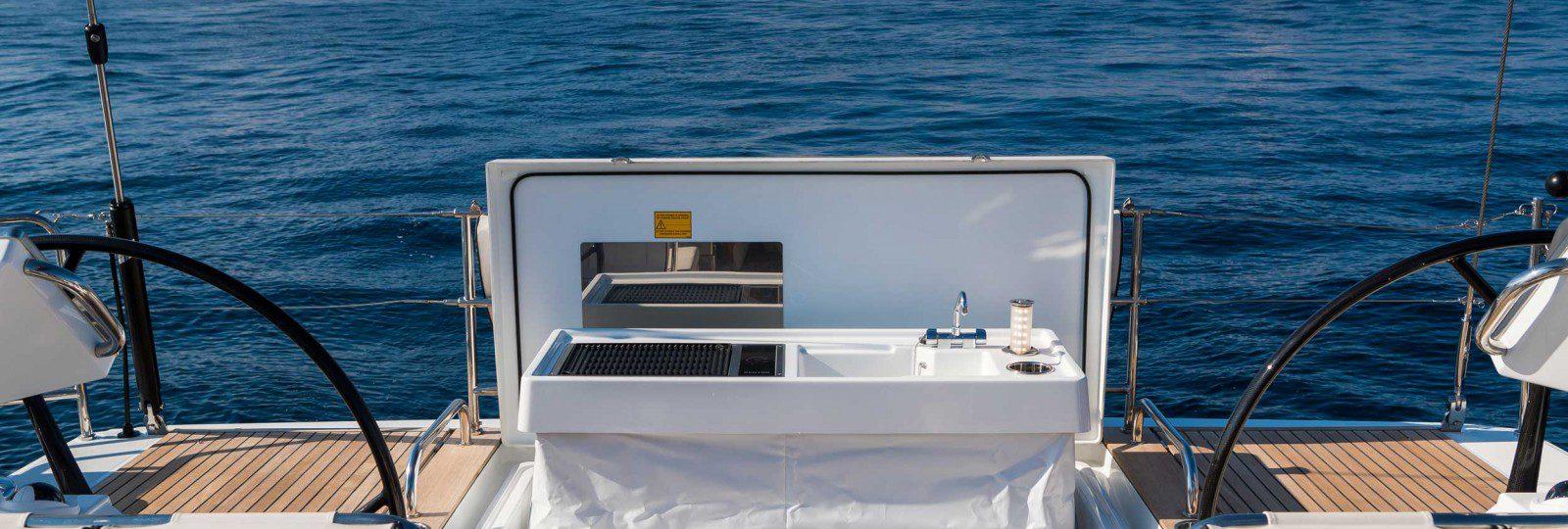 Oceanis Yacht 62 BBQ