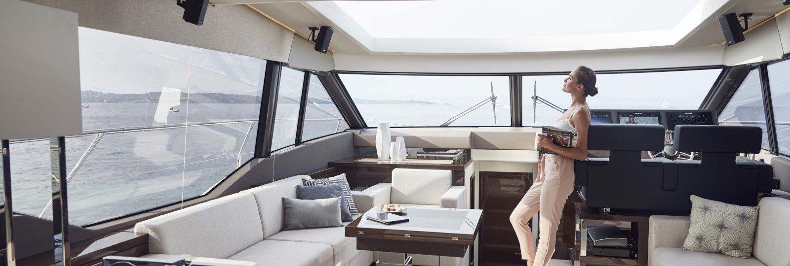 Prestige Yachts 630s saloon