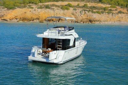 Swift Trawler 35 at anchor