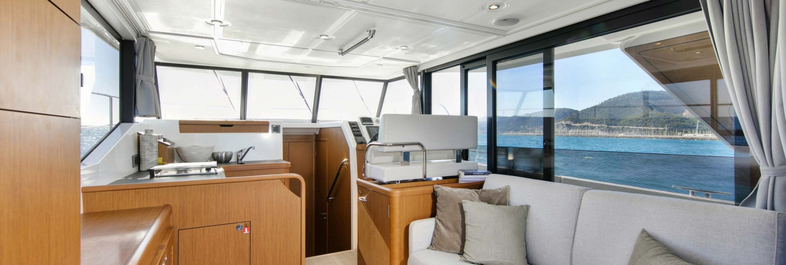 Beneteau Swift Trawler 35 galley