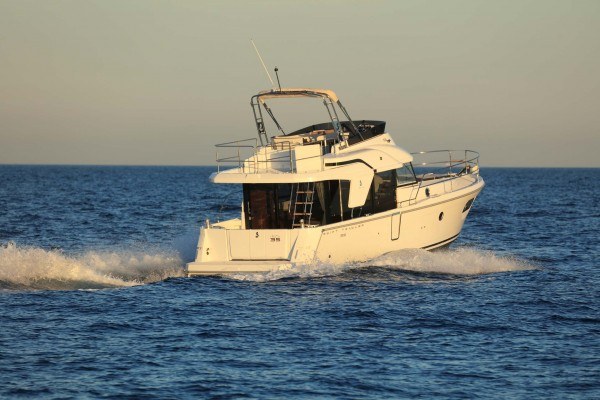 Swift Trawler 35 running