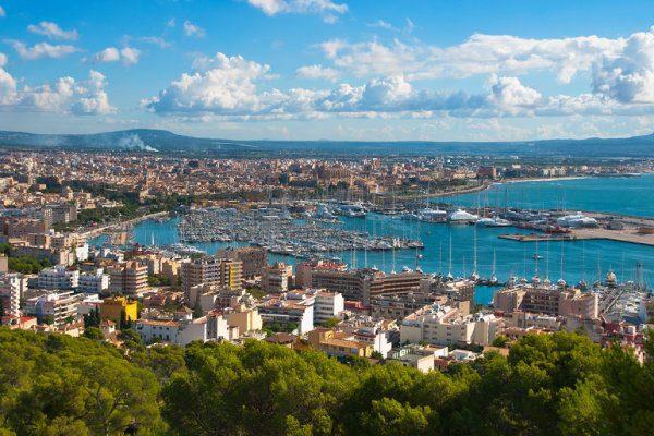 Palma_de_Mallorca_marina_and_coastline