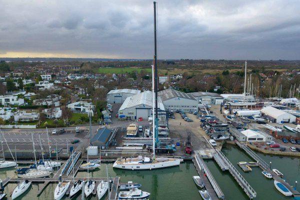 ancasta-yacht-services-crane-2